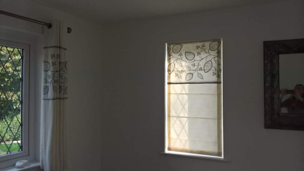 Beautiful organic patterned curtain and blind by Tovey Mead of SewTovey (2)